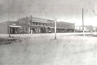 Plains, GA - 1925 shows JE Carter store in PlainsJPG